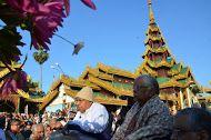 SN Goenkaji & Mataji at Shwedagong Pagoda during Burma Tour Dec 2012