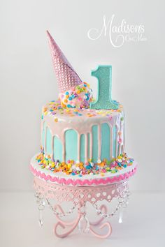 Pink Chandelier Loopy Cake Plate | Birthday Cake | First Birthday Ideas | Confetti Drip Cake | Cake by Madison's On Main
