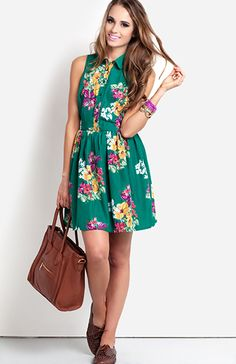 love this floraly green dress