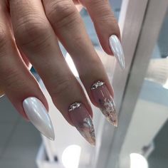 2020 The Noblest And Most Translucent Marble Nails With particular character and cold texture, the marble nail painting quite matches summer.However, the marble doesn't mean that the nail pai Perfect Nails, Gorgeous Nails, Pretty Nails, Almond Acrylic Nails, Best Acrylic Nails, Almond Nails, Dream Nails, Love Nails, Color Nails