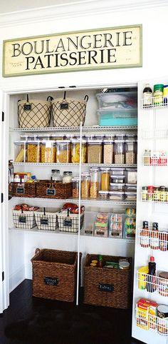 #DIY Organized Pantry