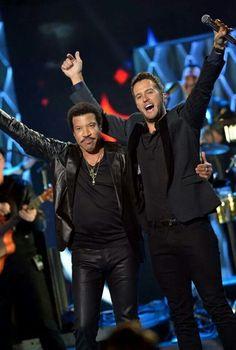 Lionel Richie & Luke Bryan COTY CMT Music Awards 2014
