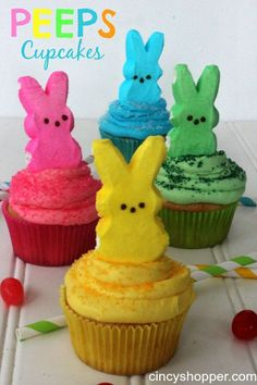 PEEPS Cupcakes Recipe for Easter. So Simple and so cute. These PEEPS Cupcakes are so colorful and so simple to make. We have been making all kinds of PEEPS recipes lately. I do not think my family can ever get enough of PEEPS ha ha! Easter Snacks, Easter Peeps, Hoppy Easter, Easter Brunch, Easter Party, Easter Treats, Easter Desserts, Easter Food, Easter Dinner
