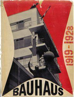 """Bauhaus nasceu para criar um movimento que interagisse com todos os tipos de arte, inclusive as que eram consideradas inferiores (artesanatos, como cerâmica, marcenaria e tecelagem). Por essa proposta, Walter Gropius ficou conhecido como """"anárquico expressionista""""."""