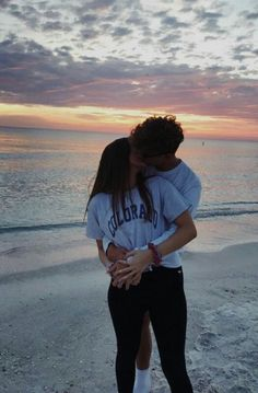 VSCO - theperfectboyfriend - Bilder distance relationship advice aesthetic goals ideas memes photos pictures problems quotes tips Cute Couples Photos, Cute Couple Pictures, Cute Couples Goals, Cute Couple Stories, Couple Goals Teenagers, Couple Ideas, Couple Stuff, Boyfriend Pictures, Boyfriend Goals