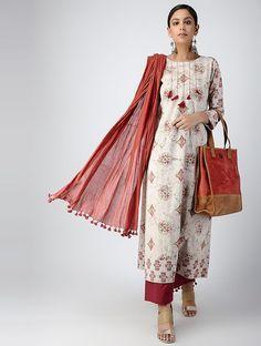 Best Trendy Outfits Part 18 Simple Kurta Designs, Kurta Designs Women, Kurti Neck Designs, Salwar Designs, Kurti Designs Party Wear, Blouse Designs, Kurta Patterns, Dress Patterns, Indian Dresses