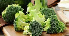 Daca este gatit cum trebuie, broccoli este delicios . Descopera o reteta cu broccoli cu iaurt si usturoi , o combinatie care merge de minune ! Ingrediente 1 bucata de broccoli 1 iaurt grecesc 2 catei de usturoi pisati patrunjel...