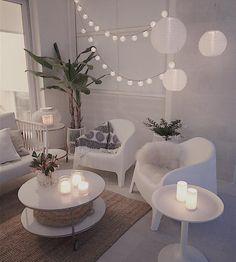 Ha en fin helg ________________________#fredagsinspo#flowers#outdoor#blomster#livingdecor#interiørinspirasjon#interior_and_living#interior125#boligpluss#interior7#lohne_interior84#vakrehjemoginterior#skandinaviskehjem#wwinterior#passion4interior#interior4all#interior123#interiorandhome#interieurstyling#nordisk_interior#mynorwegianhome#vakreverden#delvakkerthjem#interior9508#whiteliving#iginteriors#interior_delux#ikealamp#whiteinterior