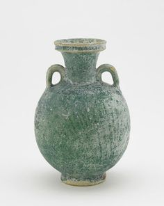 Rakka type ware bottle | Origin: Iraq | Period: 11th-12th century