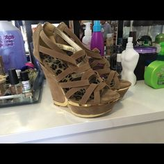Heels. Size 7 New without box. Let me know if you're interested to post more pictures. Thanks Shoes Heeled Boots