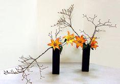 Ikebana Class Ikebana Flower Arrangement, Beautiful Flower Arrangements, Most Beautiful Flowers, Floral Arrangements, Irori, Art Floral, Houseplant, Korea, Carving