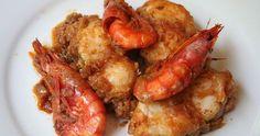 El suquet de rape con gambas es un plato típico marinero que combina dos productos con un sabor extraordinario , el rape y las gambas, que ...