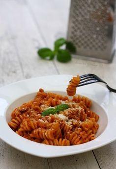 One pot pasta au thon Amandine Cooking - One pot rezepte Healthy Recipes For Diabetics, Healthy Gluten Free Recipes, Healthy Pasta Recipes, Healthy Food, Plats Weight Watchers, Weight Watchers Meals, One Pan Pasta, Honey Garlic Pork Chops, Quick Easy Meals