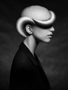 No photoshop. This is a prize winning Russian Haircut photographed by Karen Kana. No photoshop. Fantasy Hair, Fantasy Makeup, Creative Hairstyles, Cool Hairstyles, Avant Garde Hair, Editorial Hair, Beauty Editorial, Alternative Hair, Shooting Photo