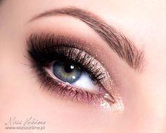 Mocny makijaż ślubny krok po kroku Makeup Tips, Eye Makeup, Hair Makeup, Diy Lip Balm, Lipstick Swatches, Lipsticks, How To Apply Lipstick, Makeup Step By Step, Wedding Hair And Makeup