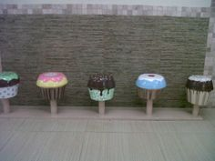 cupcake stool at the Chocolate Lovers store
