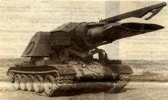 Progvev-T(ソ連) 地雷除去車。え?T-54の車体にMiG-15ジェットを搭載して熱風で地雷を吹き飛ばすだけですがなにか? ジェットエンジンで地雷を吹っ飛ばすって発想は他にもあるんだけど、こいつは見た目が圧巻。