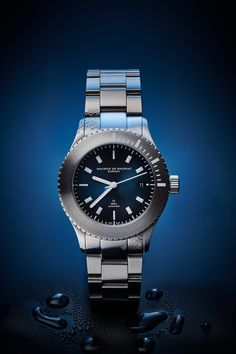Swiss made water resistant watch designed and handcrafted in Zurich by Maurice de Mauriac. Water resistant: 300 meters #waterresistantwatch #luxurywatches #swissmadeluxurywatches #swissmadewatches