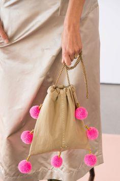 Crew at New York Fashion Week Spring 2017 - Details Runway Photos Handbag Accessories, Fashion Accessories, Diy Fashion Bags, Potli Bags, Classic Handbags, Best Bags, Fabric Bags, Handmade Bags, Spring Bags