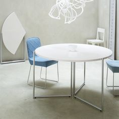 Dressy by Delo Lindo   F2 dining table by Nils Frederking