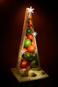 Products - Thomas Trillion - patisserie with passion Chocolate Navidad, Chocolate Bark, Christmas Chocolate, Homemade Chocolate, Chocolate Desserts, Fun Desserts, Christmas Goodies, Christmas Desserts, Christmas Treats