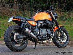 Inazuma Cafe Racer, Cafe Racer Honda, Cafe Racer Bikes, Cafe Racer Motorcycle, Cafe Racers, Suzuki Gsx 750, Suzuki Motos, Custom Motorcycles, Custom Bikes