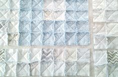 Learning how to make a crib size rag quilt is much easier when you keep these 5 key tips in mind. With the correct fabric & methods you can make a rag quilt Rag Quilt Patterns, Beginner Quilt Patterns, Sewing Patterns, Flannel Rag Quilts, Baby Rag Quilts, Chenille Blanket, Quilted Baby Blanket, Jellyroll Quilts, Easy Quilts