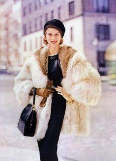 Patsy Pulitzer.  Photo by Frances McLaughlin-Gill.  Vogue 1956.