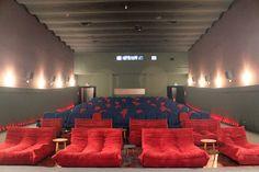 O espaço na Rua Fradique Coutinho funciona como cinema de rua desde 1962 quando nasceu o Cine Fiammetta e ficou com este nome por mais de 30 anos. A partir dos anos 2000 passou a ter outros nomes até ganhar o nome atual, Cinesala, em 2015. Foto: Divulgação