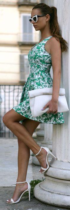 Street chic / karen cox. Zara White Roll-up Envelope Clutch