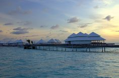 How we saved THOUSANDS on our luxury honeymoon and a behind the scenes look at our 7 night stay at Diamonds Thudufushi Beach & Water Villas in the Maldives.