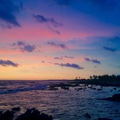 Had an awesome time at the beach watch the sunset with my family tonight!  #hilife #iphoneonly #ywam #ywamkonacontest #ywamships #sunset #hawaii #ocean #beautifulcolors #venturehawaii #awesomeearth #glimpsofhawaii by jonnys_photography http://bit.ly/dtskyiv #ywamkyiv #ywam #mission #missiontrip #outreach