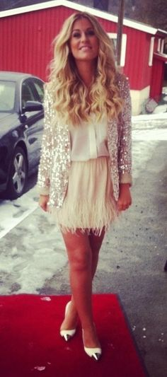 gold accents + feathers + sequinsssss!
