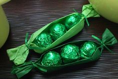 Chocolate Peas in a Pod: LINDOR truffles wrapped in green & presented as peas in a pod!