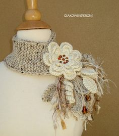 Ivory Flower Scarflette by gsakowskidesigns on Etsy Col Crochet, Crochet Motifs, Crochet Shawl, Knitting Projects, Crochet Projects, Knitting Patterns, Crochet Patterns, Crochet Flowers, Fabric Flowers