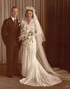 1946~I absolutely love the wedding gowns and veils from the 40's. So ...