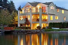 ENCHANTING WATERFRONT HOME  |  Kirkland, WA  |  Luxury Portfolio International Member - John L. Scott Real Estate