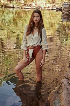 Firefly Tunic by Free People, Tan, XS Country Girl Photography, Color Photography, Senior Picture Outfits, Beach Poses, Outdoor Woman, Country Girls, Beauty Women, Girl Fashion, Free People