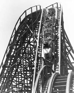 The Comet roller coaster at Forest Park Highlands-(one of my mom's favorite memories) Scary Roller Coasters, Kansas City Missouri, Drive In Theater, Abandoned Amusement Parks, St Louis Mo, Forest Park, Old Things, Highlands, Granite City