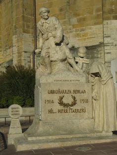 Le monument aux morts d'Urrugne. Aquitaine