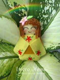 Kawaii yellow felt doll Felt Dolls, Cotton Fabric, Kawaii, Christmas Ornaments, Yellow, Holiday Decor, Home Decor, Decoration Home, Room Decor