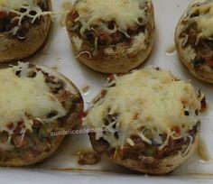 Champignons farcis au jambon cru Baked Potato, Potatoes, Baking, Ethnic Recipes, Mushroom Recipe, Ham, Bakken, Bread, Potato