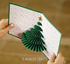 32 DIY holiday cards ideas Home Merchandise, Tools and Craft at Mr Home Stuff See Here www. Christmas Arts And Crafts, Handmade Christmas Gifts, Holiday Crafts, Christmas Diy, Diy Holiday Cards, Xmas Cards To Make, Diy Birthday, Birthday Gifts, Bedding Sets