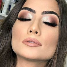 Being addicted to makeup isn& necessarily a terrible thing, provided that the addiction doesn& become too overbearing for you and others Of course,… 19 Stunning Ideas for Your Wedding Makeup Wedding Eye Makeup Ideas For W nudemakeup Makeup Trends, Makeup Inspo, Makeup Inspiration, Style Inspiration, Full Face Makeup, Day Makeup, Makeup Tips, Makeup Ideas, Wedding Eye Makeup