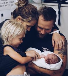 Teresa Palmer Welcomes Baby No. 2: Forest Sage, read more at http://my-healthy-pregnancy.info/