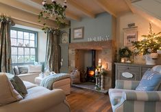 Modern Living Room Colors, Living Room Color Schemes, Cozy Living Rooms, My Living Room, Living Room Designs, Modern Room, Colour Schemes, Salons Cottage, Country Cottage Living Room