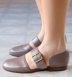 YESA TAUPE :: SHOES :: CHIE MIHARA SHOP ONLINE