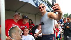 Rob Gronkowski wins Patriots' Ron Burton Community Service Award