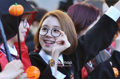 151030 TWICE arriving at Music Bank