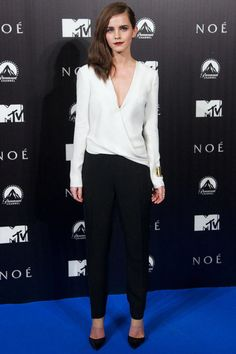 In a J.Mendel jumpsuit and Gianvito Rossi heels at the Madrid premiere of Noah.